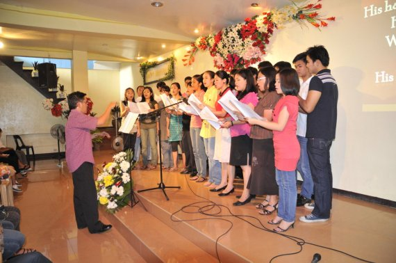The SALMO Chorale among others...