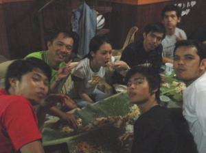 """Boodle fight"" after an exhausting relief operation"